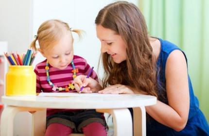 Çocuk (Bebek) Bakıcısı Nasıl Olunur, Maaşları Ne Kadar ?